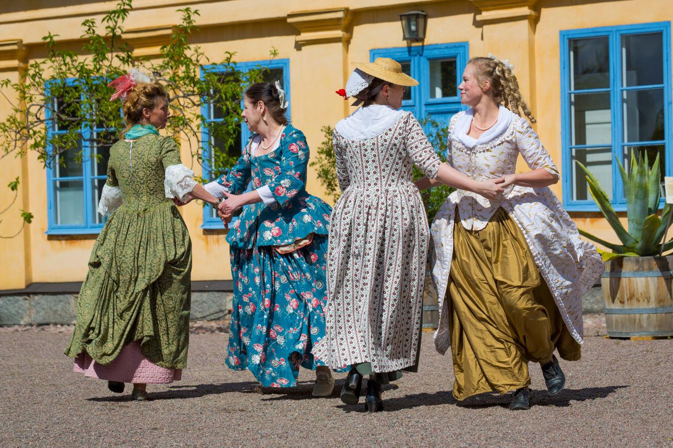 Linné bjuder in till trädgårdsfest