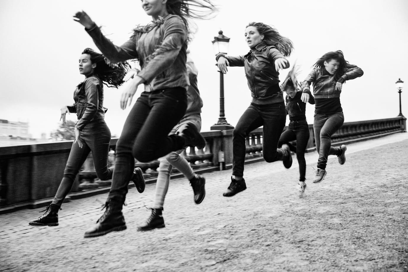 Galopperande koreografi i stadsrummet och liveakter på Uppsala konstmuseum