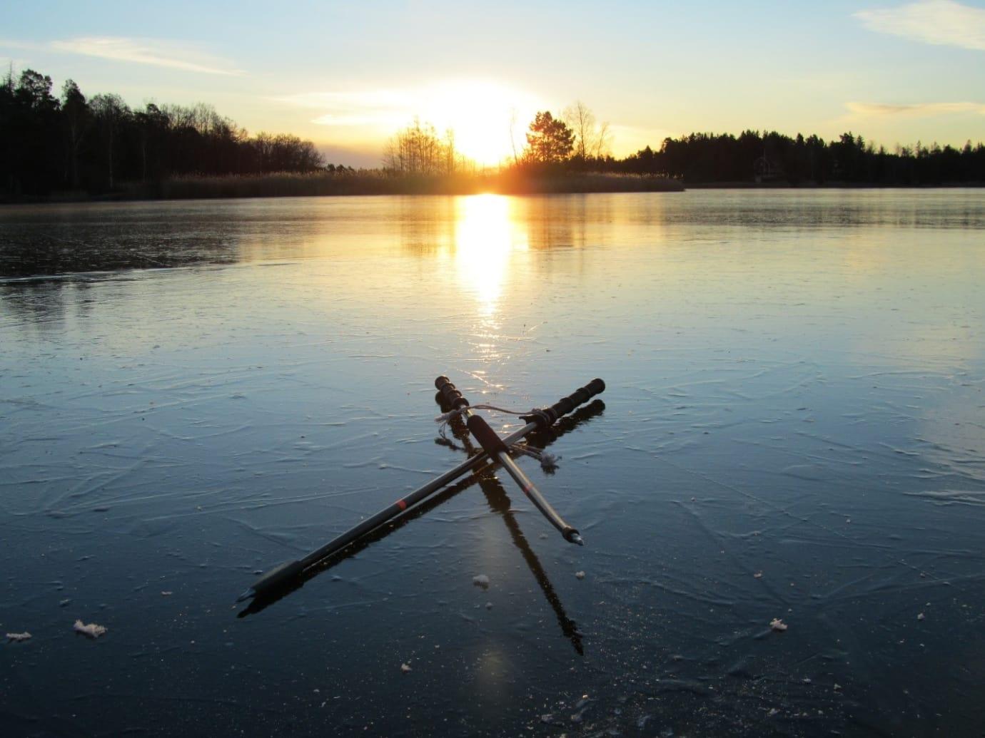 Global uppvärmning kan göra tusentals svenska sjöar isfria om vintern